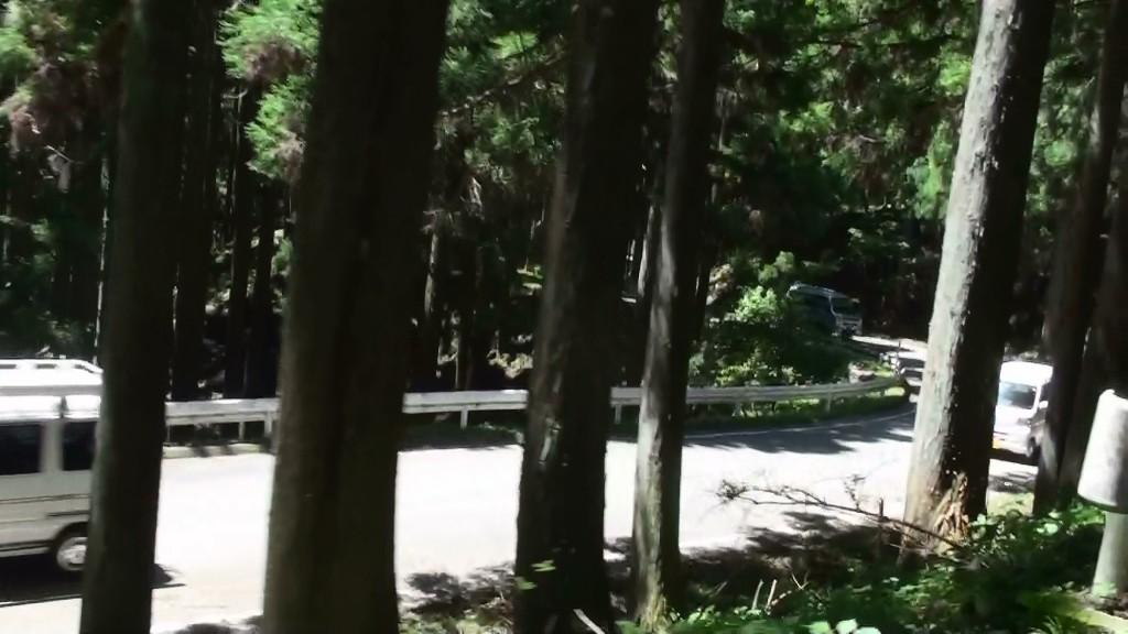 田口峠車列1
